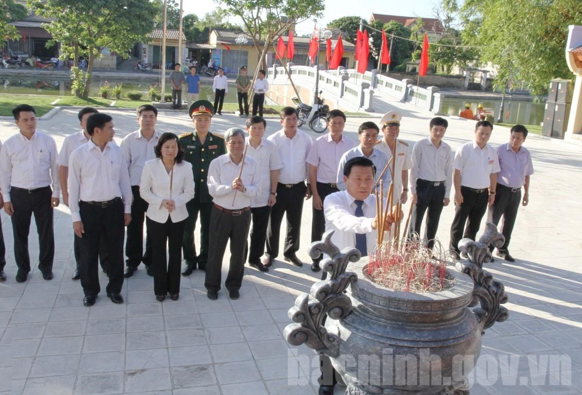 Đoàn đại biểu tỉnh Bắc Ninh dâng hương tưởng niệm Tổng Bí thư Nguyễn Văn Linh