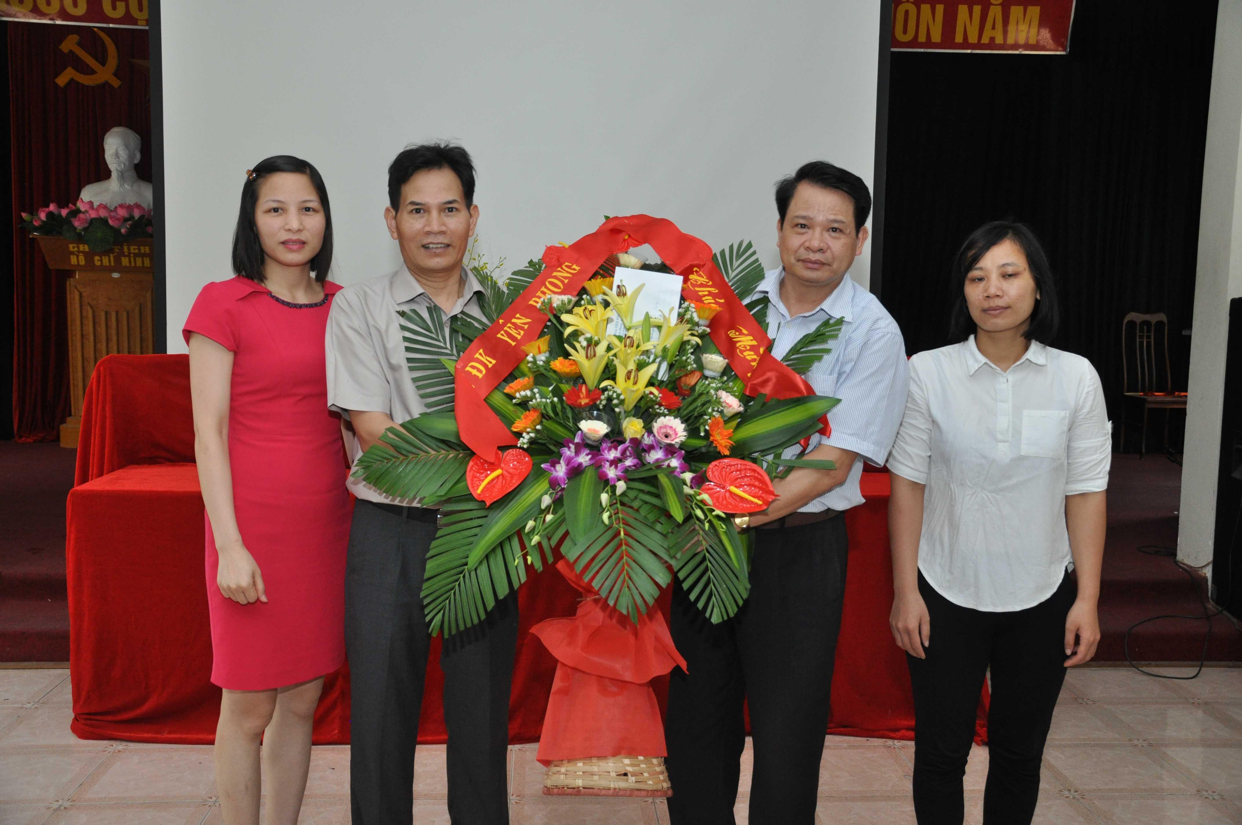Ảnh kỷ niệm 86 năm ngày công đoàn Việt Nam